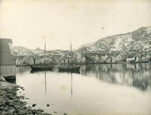 Sandsvikja med jekter i vinteropplag kring 1890.