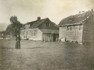 Gardshus på Helland i Sandsbygda i 1887.