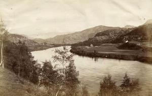 Det var laksefisket i Suldalslågen som var hovudinteressa for dei engelske på Sand og i Suldal. Walter Archer leigde alle rettar til laksefiske i Lågen frå Roalkvam i øvre Suldal og like ned til elveosen på Sand for ein periode på 40 år, frå 1884 til 1924.