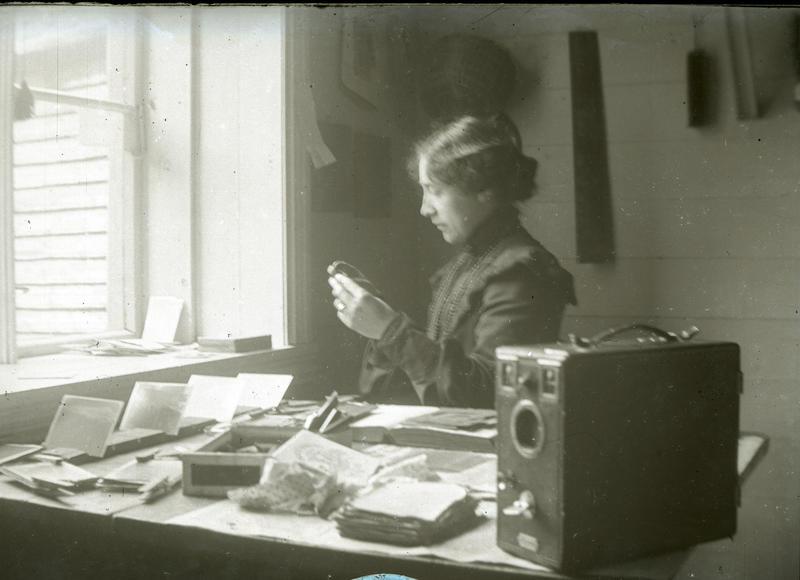 Hannchen Jacobsen, fotograf i Stavanger tidleg på 1900-talet. Foto: Hannchen Jacobsen/Arkivverket