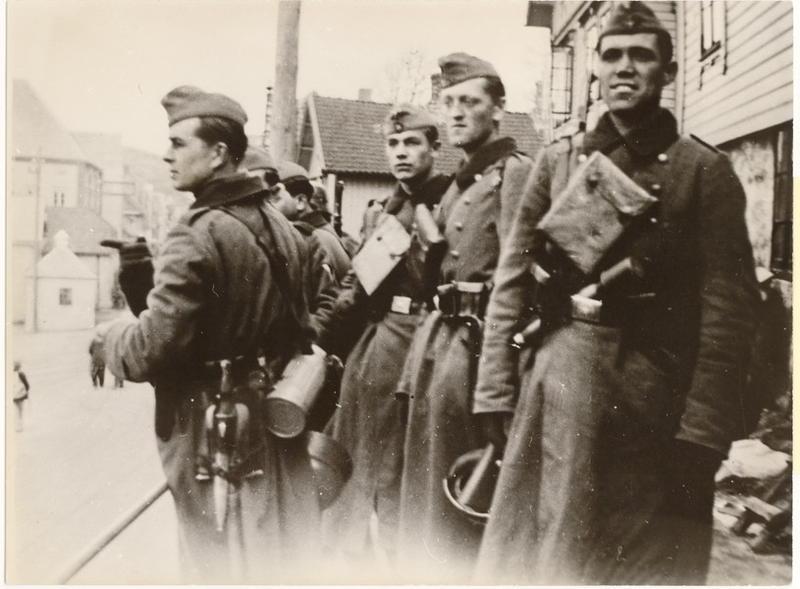 Okkupasjonssoldater ved Bradbenken den 9. april 1940