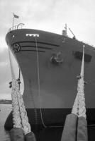 Fra M/S Rolvis skipsdåp og stabelavløpning i april 1969, en stor dag ved Haugesund Mekaniske Verksted. Fotograf Jordal hadde oppdraget som verftets fotograf. Foto: Jordal Foto, nr. 23942. Haugalandmuseene avd. Karmsund folkemuseum.